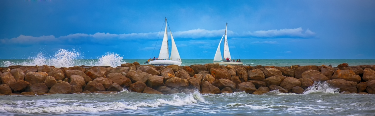 LG-SB Photographie @photographeamontpellier  nature et paysage Duel de Bateaux